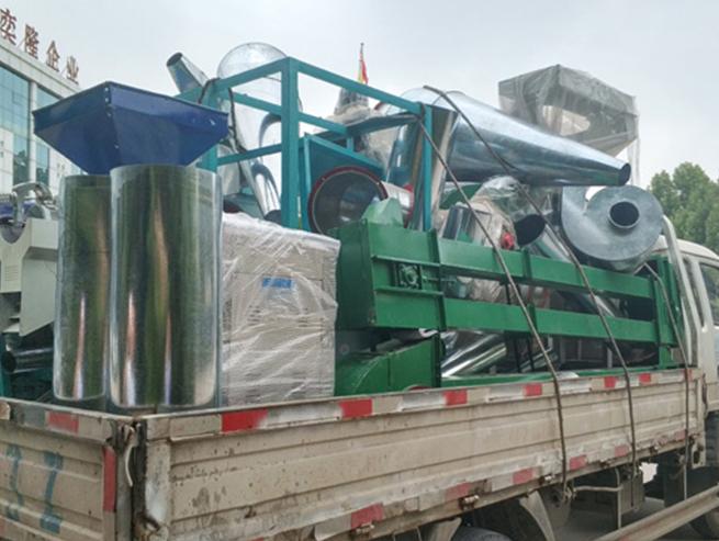 发往张家口的5吨小米加工设备!